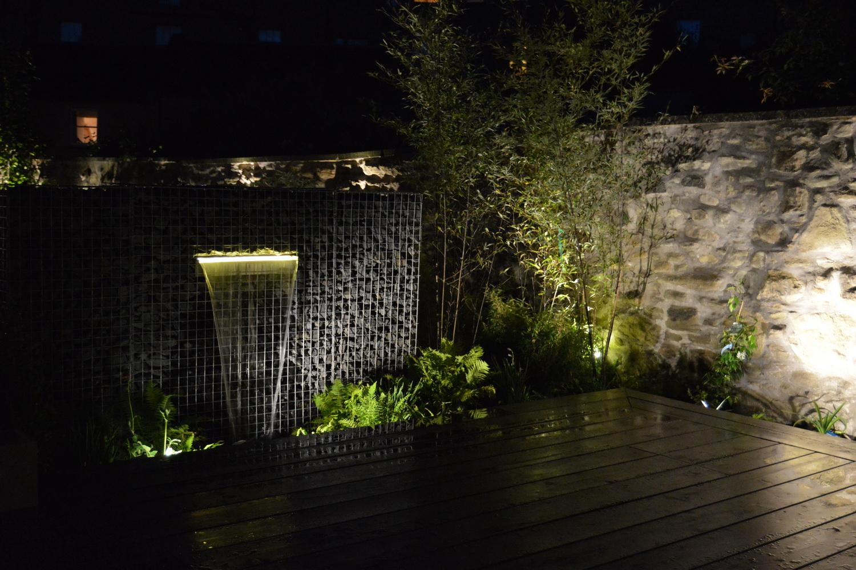 Gabionen Wasserfall mit LED
