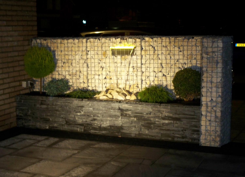 Gabionen mit LED Wasserfall